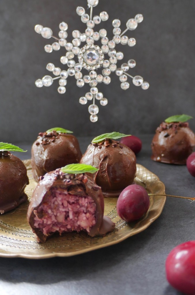 Gluten-Free Cherry Ripe Balls